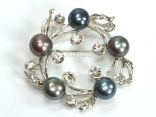 Freshwater Pearl & Diamante Wreath Brooch (Peacock+Grey)